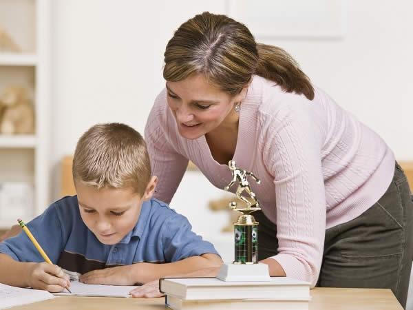 ajudar o filho a estudar