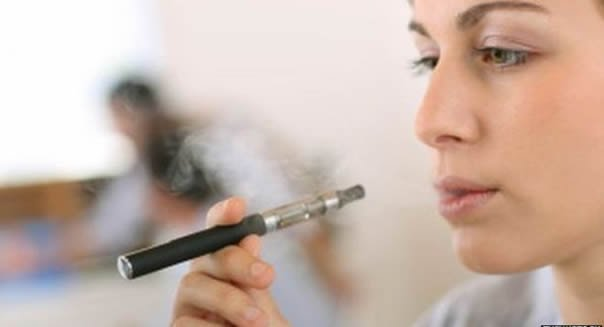 Cigarros electrónicos podem conduzir a uma nova geração de fumadores